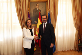 Bauzá pide a Fátima Báñez que amplíe dos meses la bonificación a fijos discontinuos