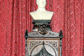 El Consell no puede retirar el busto del rey Juan Carlos sin permiso de Patrimonio