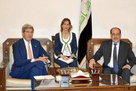 Kerry insta a los iraquíes a unirse y formar Gobierno ante el avance rebelde