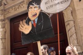 Un millar de ciudadanos exige el fin de la corrupción