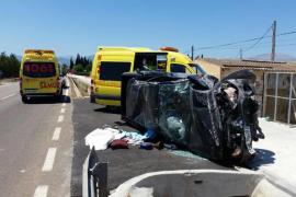 Dos heridos al volcar un todoterreno en la carretera de Muro a Inca