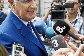 Duran insta a CiU a 'reforzar' el espacio de centro en Catalunya