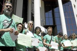 Profesores de la UIB: «Nosotros también habríamos entrado en la Conselleria»