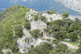 La Fiscalía de Medio Ambiente investiga la antena situada en el Castell d'Alaró