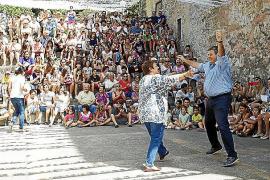 Danzas, carreras, música y encuentro en la popular Festa de la Victòria
