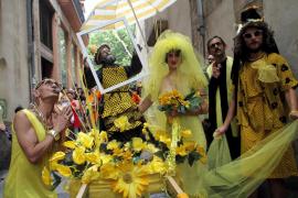 Canamunt se tiñe de amarillo y pasea a Sant Rescat