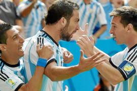 Higuaín se viste de Messi