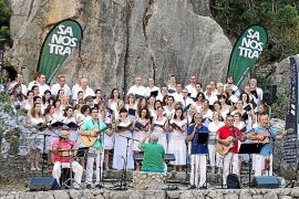 El Torrent de Pareis vibró con canciones marineras ante más de 2.000 personas