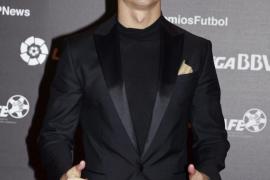 Cristiano Ronaldo anuncia que lanzará una colección de camisas