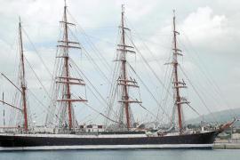 Llega a Palma 'Sedov', el buque escuela de vela más grande del mundo