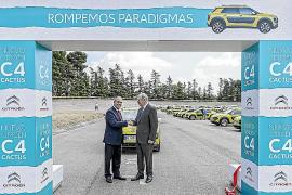 Los nuevos Citroën C4 Cactus, solidarios con el Banco de Alimentos