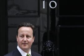"""Cameron advierte que el déficit público de Reino Unido es """"peor"""" de lo que esperaba"""