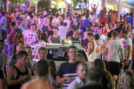 Los empresarios del ocio de Magaluf están a favor de prohibir las rutas del alcohol