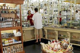 El encanto de los pequeños comercios centenarios