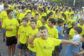 La Cursa Nocturna de Porto Cristo  coge carrera hacia la solidaridad