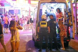 Las 'noches locas' de Magaluf provocan que 37 jóvenes fueran hospitalizados en una semana