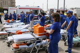 Aumentan a 20 los muertos por el descarrilamiento del Metro de Moscú