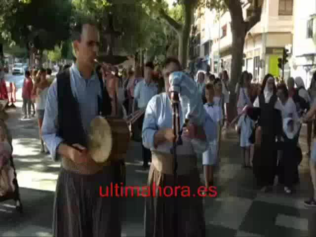 Santa Catalina  pasea a su Virgen