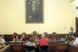 La alcaldesa quiere consensuar la ordenanza de ocupación de la vía pública