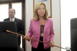 Pilar Marí dimite como alcaldesa de Vila acosada por el escándalo de los whatsapp