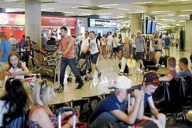 Más de 114.000 viajeros transitarán hoy por Son Sant Joan