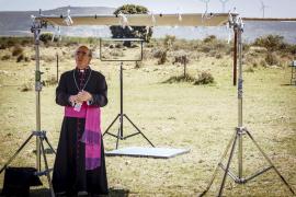 Álex Angulo rodó sus últimas escenas en un cementerio