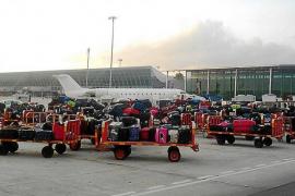 La huelga en el servicio de equipajes en agosto afectará a más de un millón de pasajeros