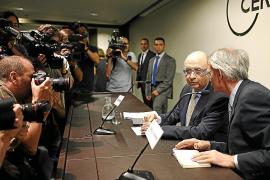 Montoro anuncia que dará mayor liquidez a las autonomías que lo necesiten