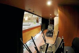 El Principal quiere mejorar su acústica retirando las telas que visten sus paredes