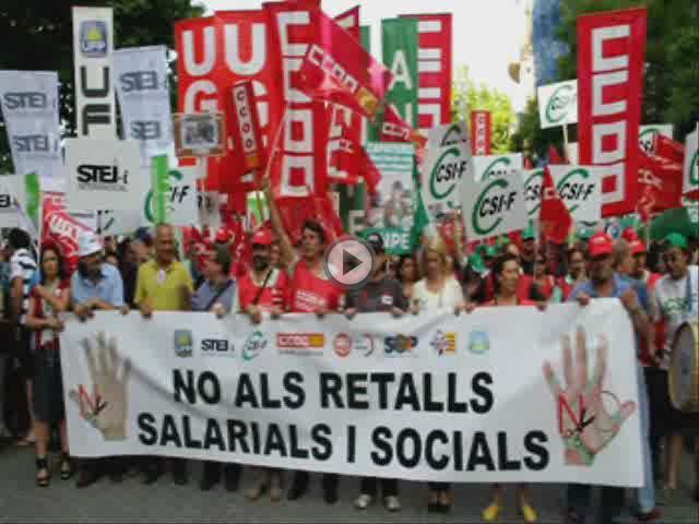 Más de 5.000 personas salen a la calle en Palma para gritar no al 'Zapatazo'