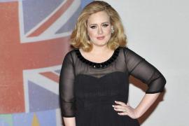 El hijo de Adele recibirá una compensación económica por la publicación de unas fotos