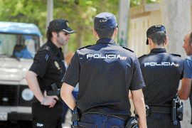 Arrestado un taxista por abusar de una mujer de 25 años junto a Cala Blava