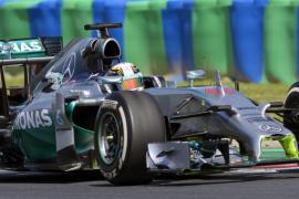 Hamilton gana y Alonso queda cuarto en el segundo libre de Hungría