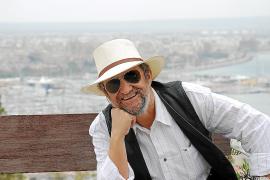 Tomeu Penya, rockero y solidario en el 'Concert de la lluna a les vinyes'