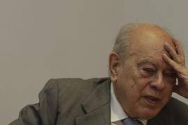 Pujol renuncia a sus cargos en CDC y CiU y a sus prerrogativas