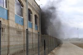 Evacúan las piscinas del polideportivo de Son Gotleu por un incendio en la sala de máquinas