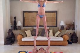 Puyol y su novia, adictos al yoga