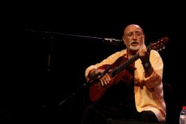 El cantante Peret