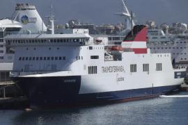 Acciona anuncia que pone en venta la naviera Trasmediterránea