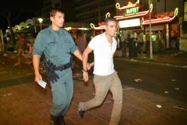 Los hoteleros de Magaluf solicitan a la Guardia Civil más vigilancia por las noches