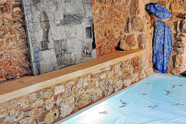 La artista Miquela Vidal rememora a Miró con su obra en Art Nit Campos