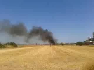 Humo en la autopista del aeropuerto por un incendio en es Molinar