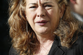 Pilar Manjón: «Odio al negro de la Casa Blanca»
