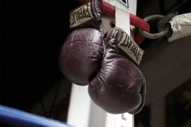 Pagan casi 400.000 dolares por los guantes de la pelea del siglo de Ali