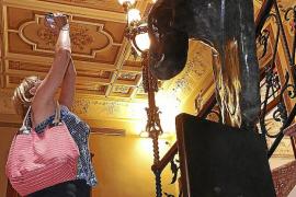 La escultura 'Téte de femme', de Miró, ya se expone en Can Prunera