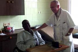 El religioso español aislado en Liberia tiene el ébola