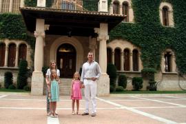 PALMA POSADO EN MARIVENT DE LA FAMILIA REAL