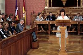 Armengol dice que el Consell tiene que «crecer más» y el Govern «adelgazar»