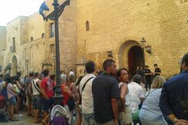 Los Reyes se presentan ante la sociedad balear en La Almudaina
