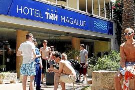 El Govern quiere combatir el turismo de alcohol en Magaluf en la feria de Londres